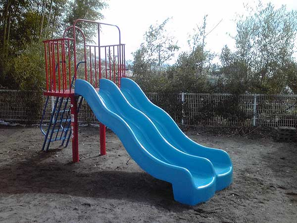 東根市児童館 ダブルウェーブスライダー