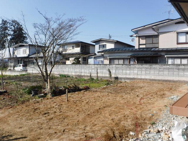 大江町M様邸のガーデニング開始しました。